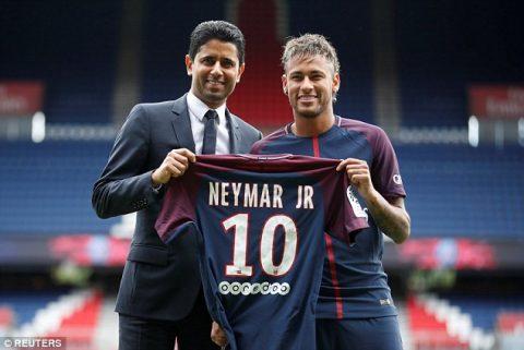 CHÙM ẢNH: Neymar tươi rói trong ngày ra mắt đội bóng mới