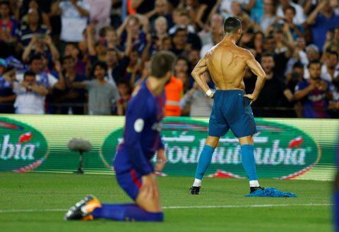 """CHÙM ẢNH: Chỉ trong 2 phút """"điên rồ"""", Ronaldo nhấn chìm Barca ngay tại Nou Camp"""