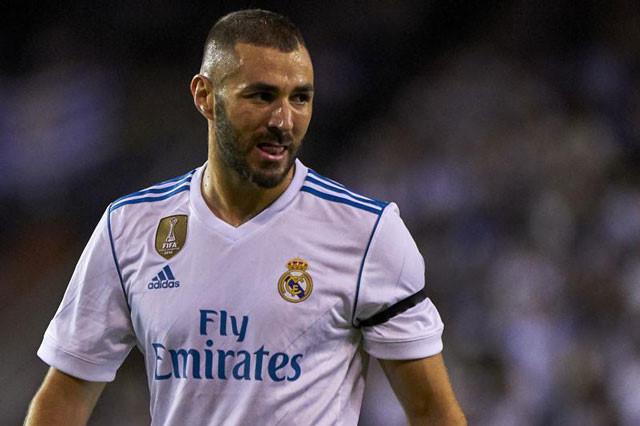 Zidane lên tiếng bảo vệ Benzema giữa tâm bão chỉ trích