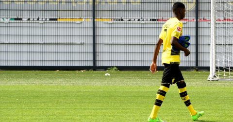 """Dortmund được """"Tiểu Mourinho"""" đồng tình ủng hộ phạt nặng kẻ nổi loạn"""