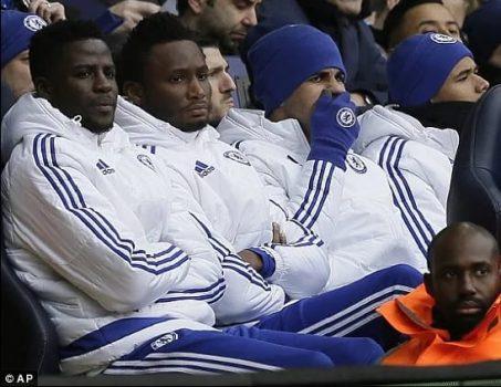 Nhìn cách đồng đội cũ bị đối xử ở Chelsea, Costa sẽ phải cảm thấy may mắn