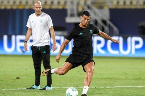Mới trở lại tập luyện 2 ngày, Ronaldo vẫn ra sân đá Siêu cúp châu Âu