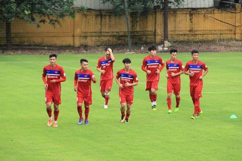 Quên đi SEA Games, Văn Toàn cùng đồng đội quyết hạ gục Campuchia