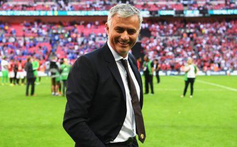 Lộ bảng lương gây sốc của MU: Mourinho vô đối