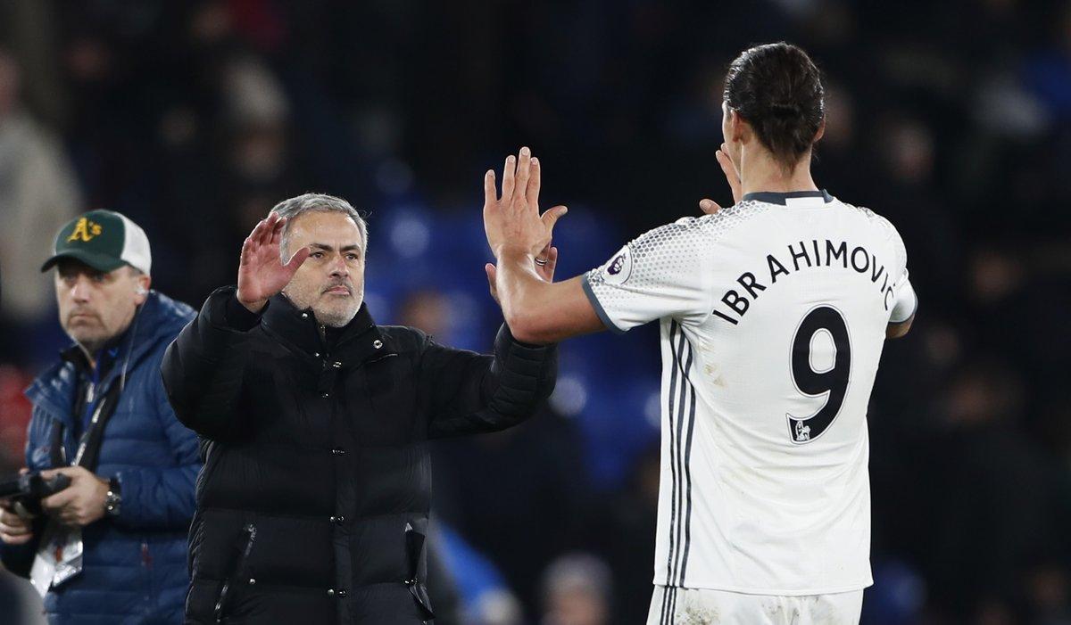 Ibrahimovic tái hợp Quỷ đỏ, người trong cuộc nói gì?