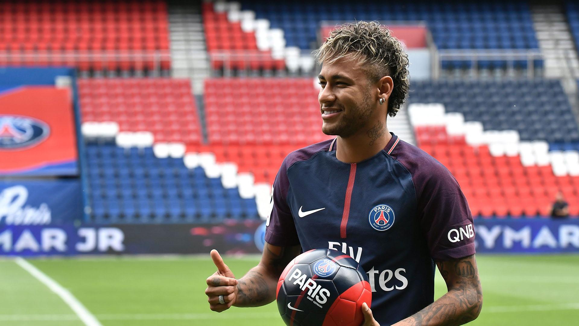 """Là người của PSG từ tuần trước, vì sao Neymar vẫn """"ngồi chơi xơi nước"""" cuối tuần này?"""