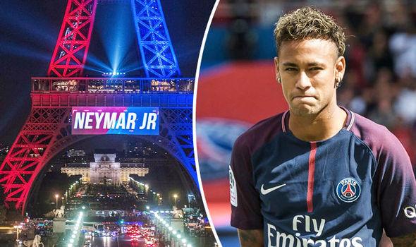 Neymar xem xét tố Barcelona lên FIFA