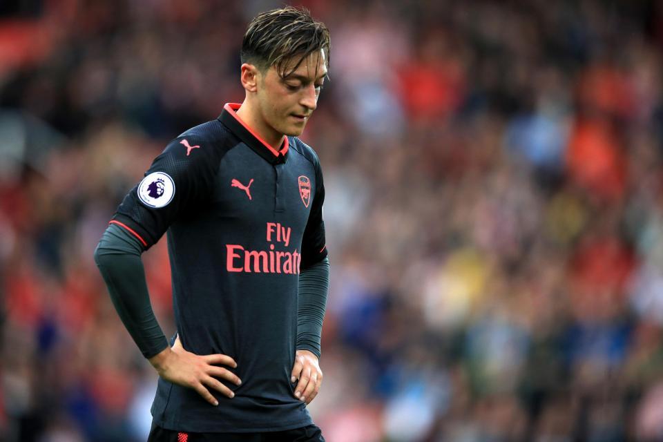 Huyền thoại Arsenal hết lời…chỉ trích Oezil sau trận thua bẽ bàng của Pháo thủ