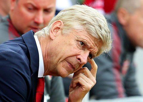 """""""Giáo sư"""" Wenger là HLV bị CĐV đội nhà ghét nhất giải Ngoại hạng Anh"""