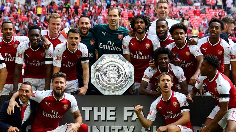 Arsenal đang thăng hoa, nhưng mọi năm đều thế…