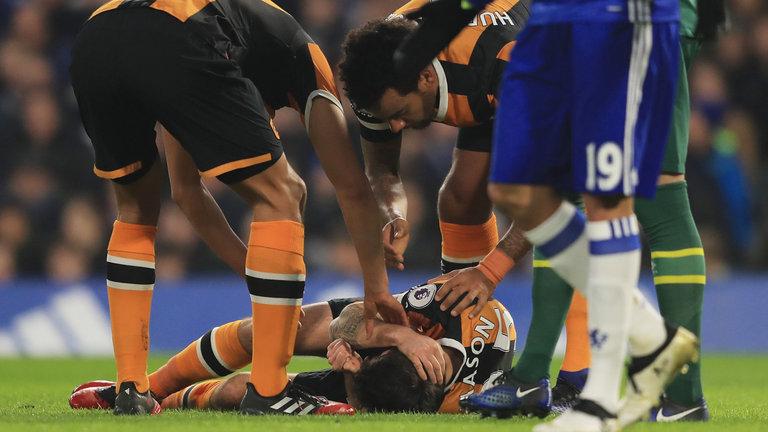 Cựu sao Tottenham đối diện nguy cơ giải nghệ sớm sau chấn thương giống Petr Cech