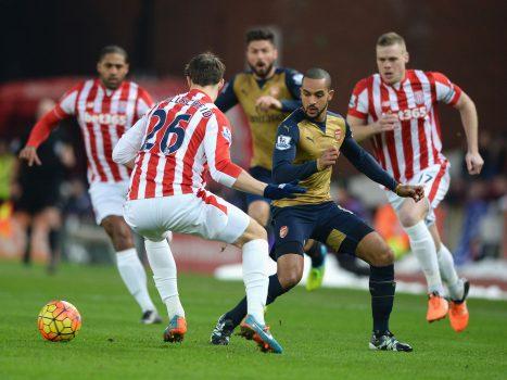 Stoke City vs Arsenal, 23h30 ngày 19/8: Muốn thắng phải biết phòng ngự