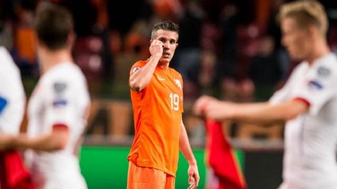 Robin van Persie trở lại ĐT Hà Lan sau 2 năm vắng mặt