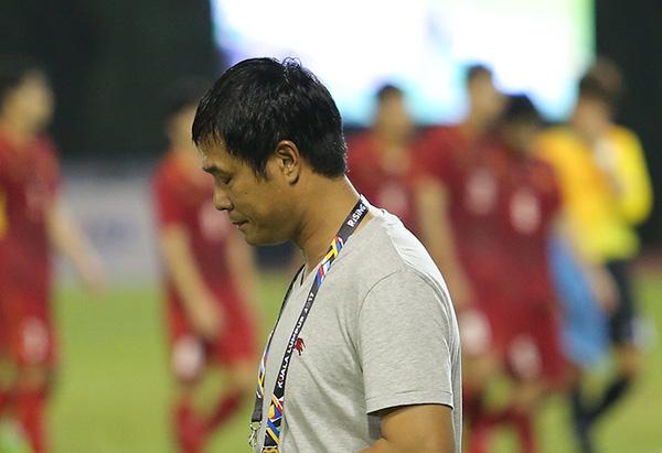 NÓNG! HLV Hữu Thắng tuyên bố từ chức sau thất bại thảm hại của U22 Việt Nam