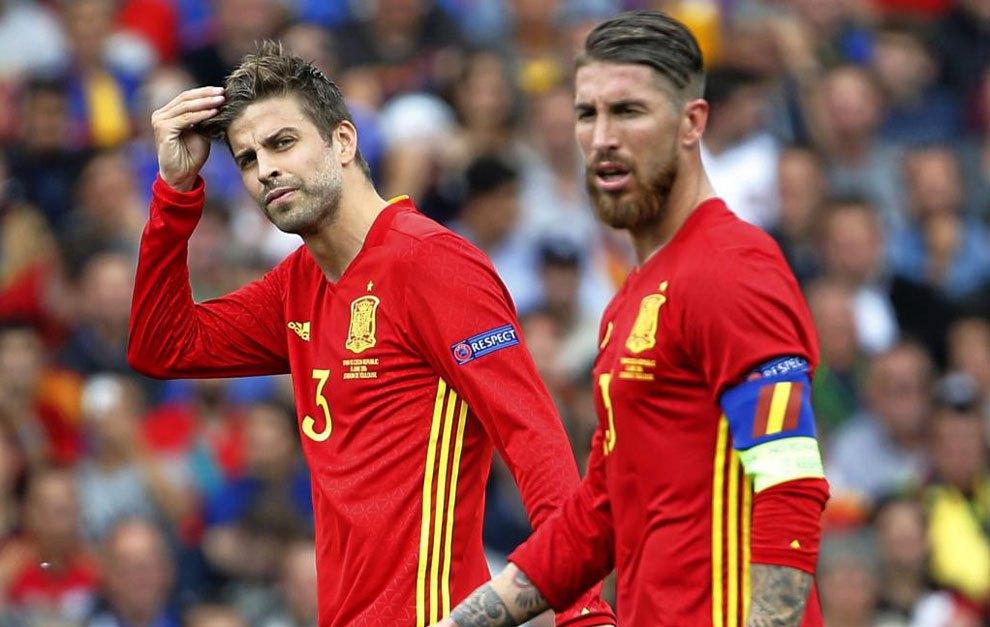 Sergio Ramos bất ngờ kêu gọi CĐV ủng hộ Pique trước thềm đại chiến với Italia