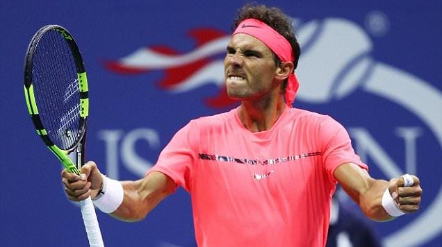 """""""Vua đất nện"""" Nadal vất vả vượt qua vòng 3 US Open sau 4 set căng thẳng"""