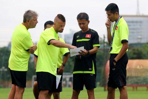 """HLV Hoàng Anh Tuấn """"chốt"""" tương lai sau vòng loại giải U19 châu Á 2018"""