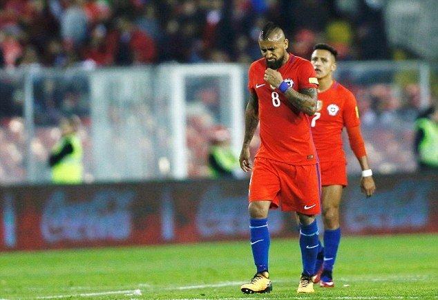Tội đồ Vidal phản lưới, Chile bất ngờ thua thảm trước Paraguay ngay trên sân nhà