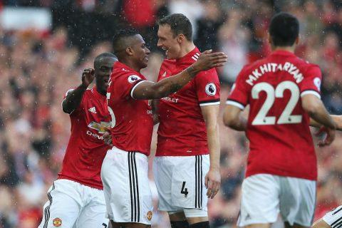 Valencia lập siêu phẩm, MU đè bẹp Everton trong ngày Rooney trở về Old Trafford