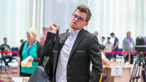 Địa chấn ở Cúp thế giới, Vua cờ Magnus Carlsen bất ngờ dừng bước