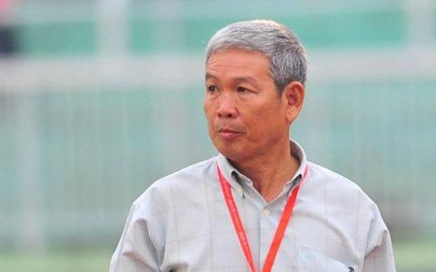 """Điểm tin bóng đá Việt Nam sáng 26/09: Loại Kiatisak, chuyên gia Việt ủng hộ ông Chung """"gái"""""""