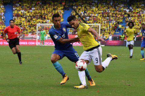 """""""Mãnh hổ"""" Falcao sắm vai người hùng, Colombia thoát thua trước Brazil"""