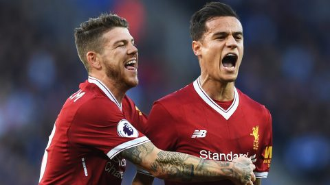 Coutinho rực sáng, Liverpool vất vả hạ Leicester trong trận cầu điên rồ
