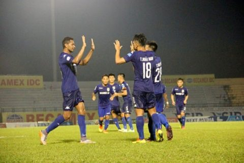 """Đấu sớm vòng 18 V-League 2017: Hà Nội và Sanna Khánh Hòa thi nhau """"ngã ngựa"""""""