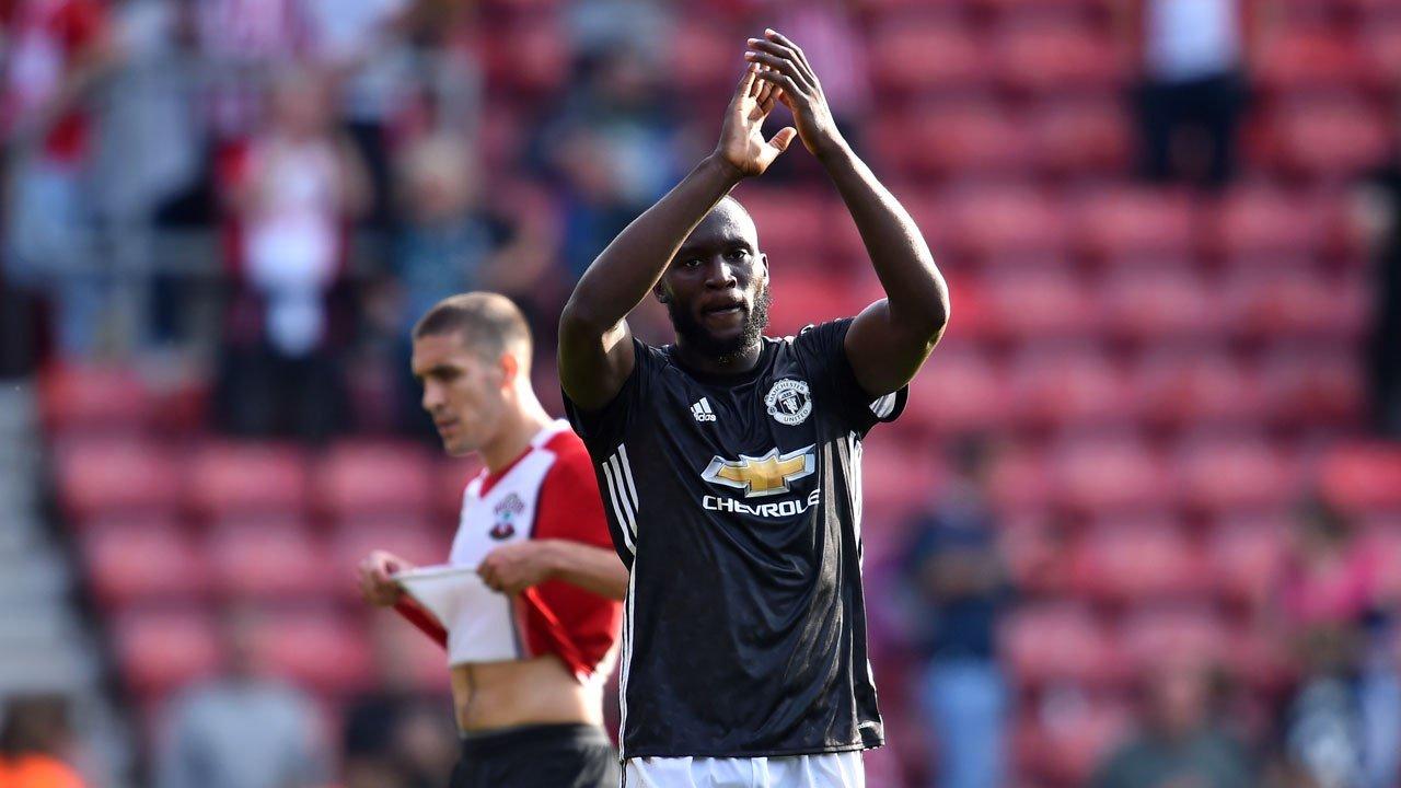 Người hùng Lukaku bất ngờ bị Man United bỏ rơi