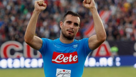 Vá hàng thủ tan nát, Arsenal sang tận Italia săn trung vệ