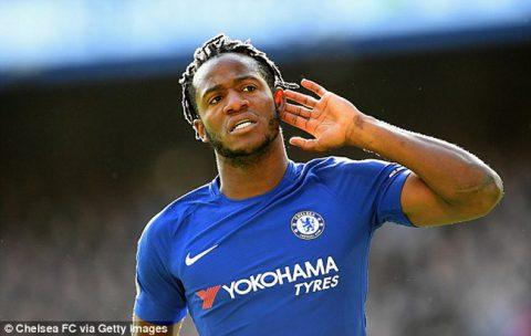 Batshuayi lập cú đúp, Chelsea thắng ngược Watford trên sân nhà