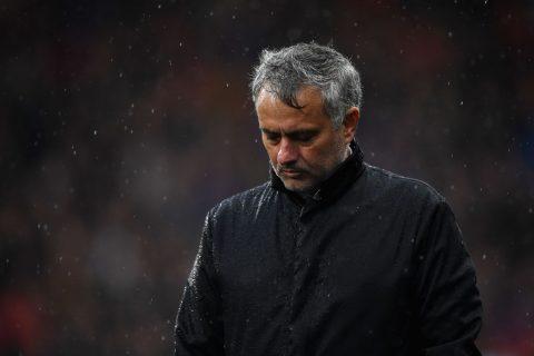 Tiết lộ: Mourinho nổi trận lôi đình trong phòng thay đồ M.U