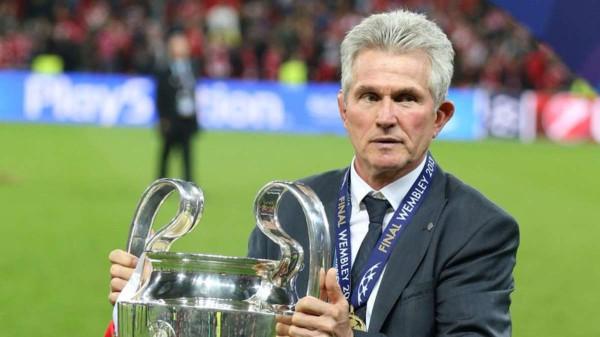 CỰC SỐC: Bayern Munich mời HLV không ngờ tới để chữa cháy