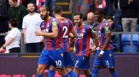 Hàng thủ tan nát, Chelsea nhận thất bại trước đội bét bảng