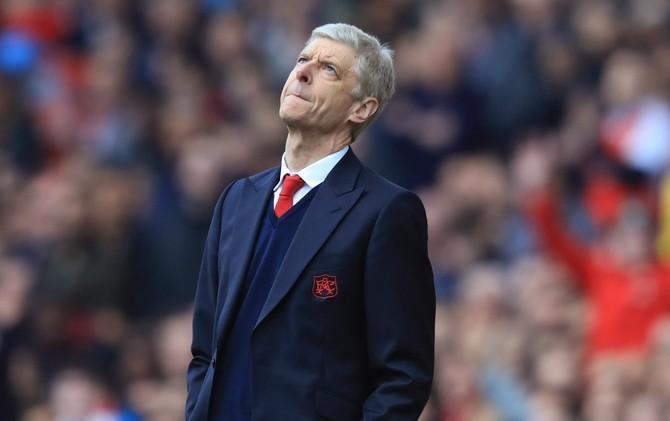 FA khiến cho Arsenal và Wenger thêm phần muối mặt