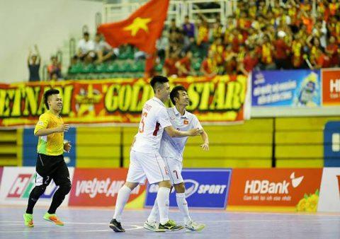 Hạ đẹp Myanmar, tuyển futsal Việt Nam gặp Malaysia ở bán kết