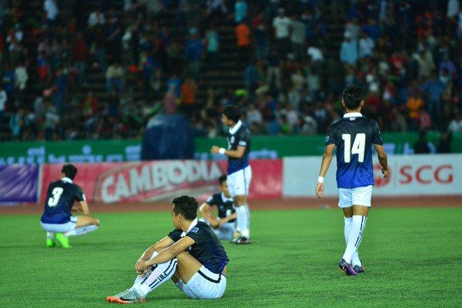 Điểm tin bóng đá Việt Nam sáng 20/10: HLV Hoàng Anh Tuấn lên tiếng sau trận thua, HLV Campuchia từ chức
