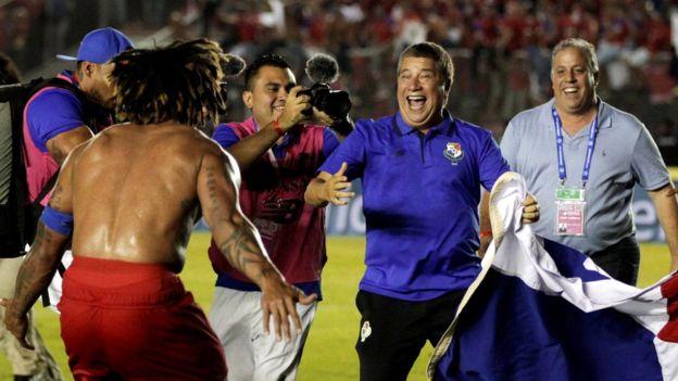 Đội nhà giành vé đến World Cup, Tổng thống Panama cho cả nước nghỉ