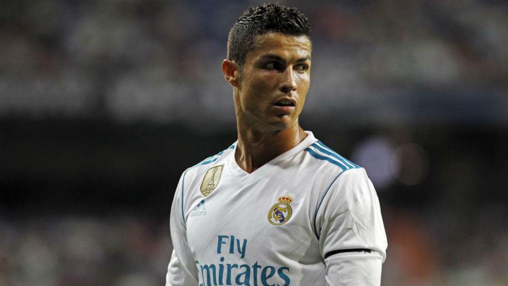 Ngán ngẩm với Real, Ronaldo đòi ra đi ngay Hè này