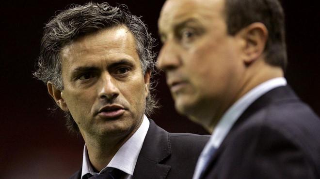 Mourinho – Benitez: Mối thâm thù bao năm xuất phát từ đâu?
