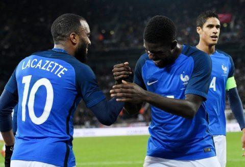 Lazazette tỏa sáng với cú đúp, Pháp khiến Đức toát mồ hôi trên sân nhà