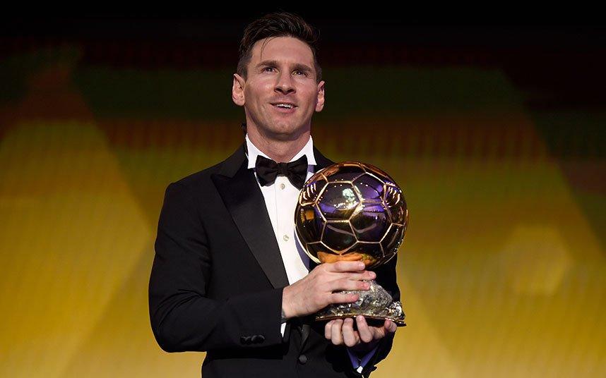 SỐC: Lộ bằng chứng Messi đánh bại Ronaldo để giành QBV