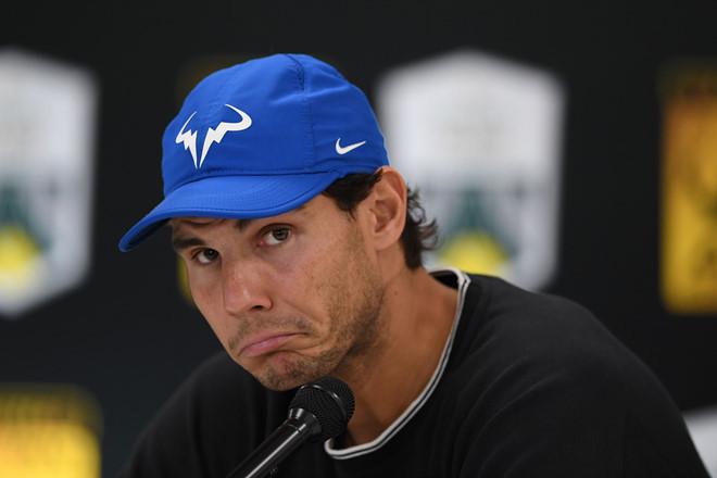 Dính chấn thương nặng, Nadal bỏ cuộc trước thềm tứ kết Paris Masters