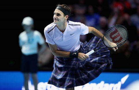 Federer mặc váy đánh bại Murray trong trận đấu từ thiện tại Scotland