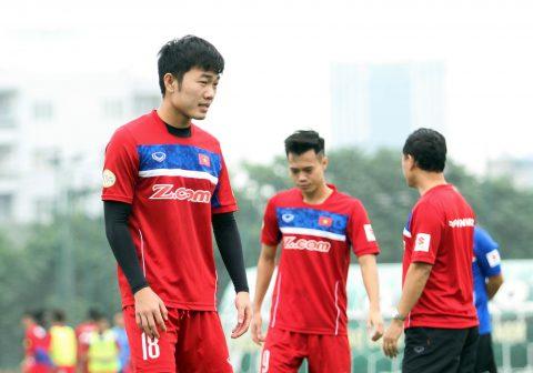 Điểm tin bóng đá Việt Nam sáng 09/11:  Xuân Trường làm cầu nối cho các tuyển thủ với HLV Park