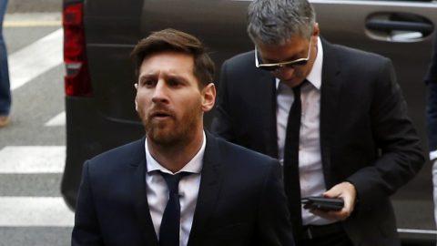Messi giành toàn bộ tiền thắng kiện 'bị sỉ nhục' làm từ thiện
