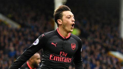 Điểm tin chiều 14/11: Atletico gây sốc với Ozil; Real rút ruột Chelsea