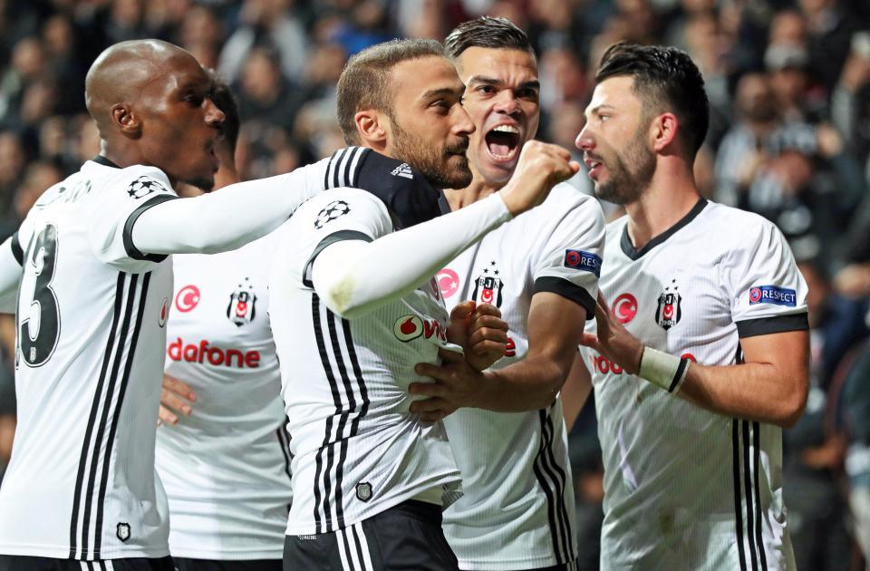 Cầm hòa Monaco, Besiktas đặt một chân vào vòng sau