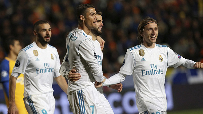 Zidane tiết lộ kế hoạch chuyển nhượng của Real