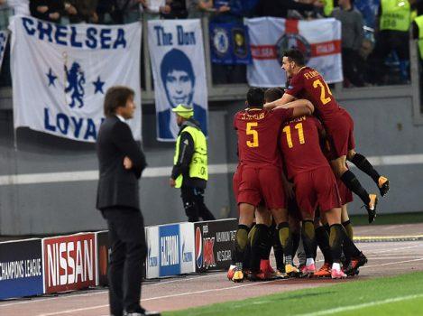 """Thảm bại trước Roma, nhưng Chelsea lại được cứu bởi """"tý hon"""" Qarabag"""